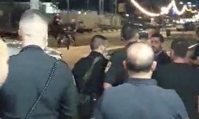"""اعتداء الشرطي على صحافي بمجد الكروم: """"تصرف همجي ومحاولة لقمع عملنا"""""""