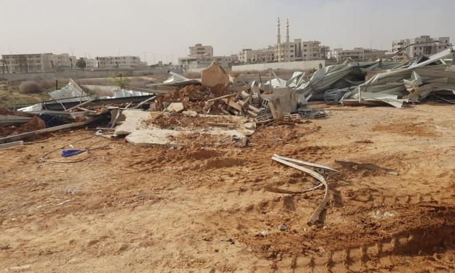 التحريض ضد العرب في النقب: تحذير من هدم المنازل والتهجير ودعوة للتظاهر
