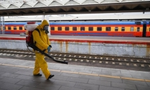 موسكو: تعليق الخدمات غير الأساسية لمكافحة تفشي كورونا